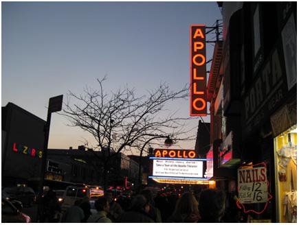 het apollo theatre by night